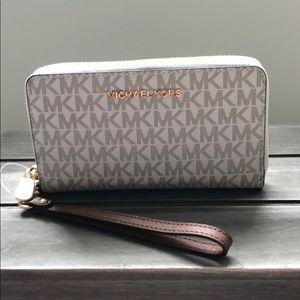 Michael Kors Large Wallet/Wristlet